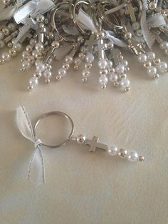 Martyrika Keychains-Witness Pins for Greek Orthodox Baptism -Baptism Favors-Baby Shower Favors Key Ring Silver beads Pearl beads Silver cross Ribbon They can also be used as favors Fast Shipping Thank you for looking First Communion Decorations, First Communion Favors, Baptism Favors, Baptism Ideas, Baby Shower Favors, Cadeau Communion, Beads And Wire, Pearl Beads, Silver Beads