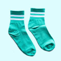 This Teal Gym Standard Sock is a classic piece that you should own right now. It says comfort allover all thanks to its soft and well-ventilated quality material plus its cuffs are naturally patterned Doc Martens Style, Doc Martens Outfit, Doc Martens Boots, Funny Socks, Cute Socks, Vans Outfit, Basketball Socks, Crazy Socks, Designer Boots