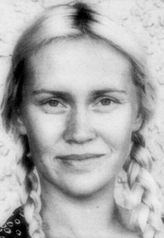 Agnetha's Natural Look!