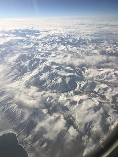 When youre flying over the Sierra Nevada mountains during the winter also be sure to take a window seat. Heres another breathtaking view for you all. [OC] [1334750] #reddit