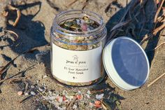 El Sur Rancho Foot Soak. This was a favorite product in the Big Sur Box, so I made some more for the holidays. Made with 4 kinds of sea salt, eucalyptus, and lemongrass. Available on the Etsy shop. : @christina.dikas #sensesofplace #treatyourself
