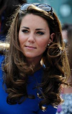 William and Kate Middleton cheer on Andy Murray - British Olympic Tennis