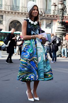 Matching turban, collar and shoes- ties the craziest prints together