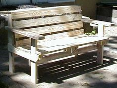 Pallet bench...since i never get my dream bench for my porch for mother's day, guess i'll have to make my own....