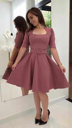 New ideas moda femenina juvenil cristiana Trendy Dresses, Cute Dresses, Vintage Dresses, Beautiful Dresses, Casual Dresses, Short Dresses, Prom Dresses, Trend Fashion, Cute Fashion