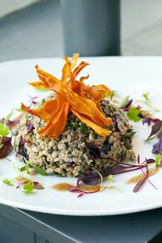 Food for friends - award winning Brighton vegetarian restaurant Superfood Salad, Healthy Food, Healthy Recipes, Vegan Restaurants, Pomegranate Seeds, Red Cabbage, Main Courses, Nutritious Meals
