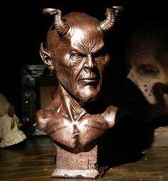 The amazing Australian Shadows Award, awarded to WOLF CREEK: ORIGIN for best Australian horror novel of the year 2014.