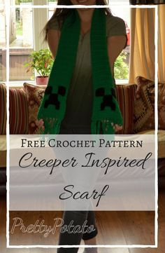 A creeper scarf inspired by minecraft, crocheted using a simple double crocheted scarf with a creeper applique crocheted and sewn on. Minecraft Crochet Patterns, Easy Crochet Patterns, Crochet Ideas, Crochet Scarves, Crochet Clothes, Crocheted Scarf, Minecraft Outfits, Minecraft Crafts, Diy And Crafts Sewing