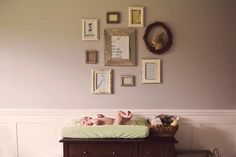 Vintage frame photo wall.