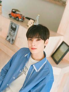 "ASTRO's Cha Eun Woo isn't called ""The Visual God"" for no reason. Cute Boys, My Boys, Park Jinyoung, Cha Eunwoo Astro, Astro Wallpaper, Lee Dong Min, Park Bo Gum, Pre Debut, Sanha"