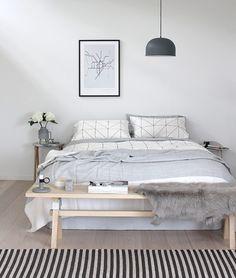 ベッドのおしゃれは足元から♡海外インテリアから学ぶベッドルーム | folk ベンチ