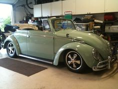 Vw Cabriolet, Vw Racing, Vw Beetle Convertible, Kdf Wagen, Volkswagen Bus, Vw Camper, Vintage Caravans, Old Classic Cars, Vw Cars