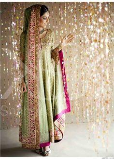 December 2014 – Page 9 – Pakistani Wedding Pakistani Wedding Outfits, Asian Wedding Dress, Asian Bridal, Pakistani Wedding Dresses, Indian Dresses, Indian Outfits, Nikkah Dress, Mehndi Dress, Bridal Outfits
