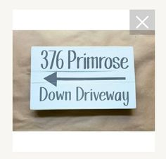 This sign is awesome for those hard to find homes. Address Signs, House Numbers, Hard To Find, Farmhouse, Homes, Awesome, Home Decor, Houses, Decoration Home