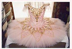 Tutu www.theworlddances.com/ #costumes #tutu #dance