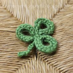 This Moment is Good...: LOOM KNIT SHAMROCK/3 LEAF CLOVER PATTERN