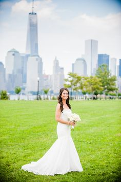 Awesome view of the Manhattan skyline from this beautiful Liberty House wedding in Jersey City! Photography: W Studios New York - www.wstudiosnewyork.com  Read More: http://www.stylemepretty.com/2015/01/26/elegant-summer-wedding-at-liberty-house/