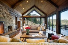 Warm and welcoming country home living room desgin