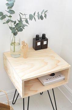 Det lille DIY sengebord kan også bruge som sidebord i stuen