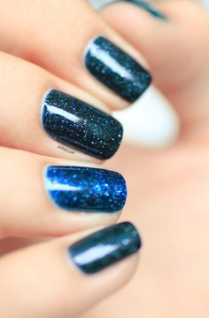 Ocean sparkly blue nails