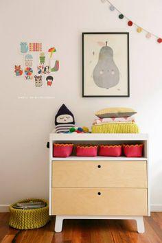 Kid's room - Drawers and artwork - Via Les Loupiots