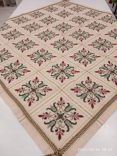 Cross Stitch Art, Cross Stitch Flowers, Cross Stitch Designs, Cross Stitching, Diy Crafts Hacks, Diy And Crafts, Embroidery Patterns, Bohemian Rug, Beads