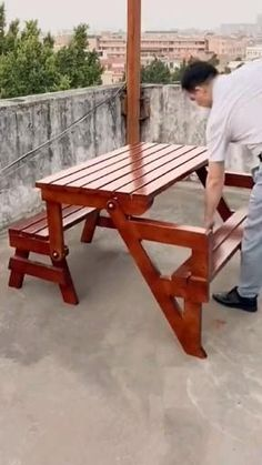 Folding Furniture, Wooden Pallet Furniture, Diy Outdoor Furniture, Space Saving Furniture, Diy Furniture, Furniture Design, Outdoor Wood Table, Woodworking Projects Diy, Diy Wood Projects