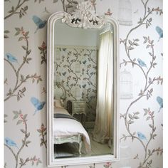 Provencal Slim Mirror by The French Bedroom Company et Nina Campbell Birdcage Walk papier peint NCW3770-01