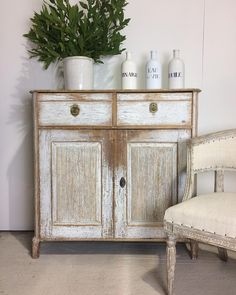 Swedish antiques Latest arrivals at Anton & K antiques Industrial Style Kitchen, Vintage Industrial Decor, Vintage Home Decor, Swedish Decor, French Decor, Swedish Style, Swedish Design, French Style, Scandinavian Style