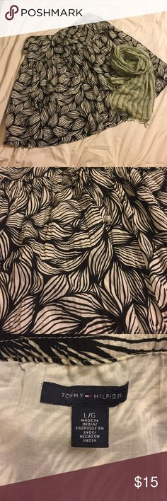 EUC, large boho skirt Excellent used condition, Large black and white pattern skirt. Very flirty! Tommy Hilfiger Skirts