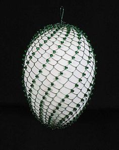 easter egg made in slovakia Wire Ornaments, Holiday Ornaments, Christmas Bulbs, Christmas Crafts, Wire Crafts, Metal Crafts, Egg Tree, Ukrainian Easter Eggs, Wine Bottle Art