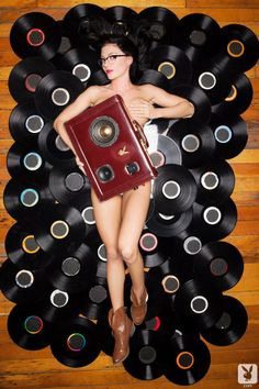 Girls Gone Vinyl - My girlfriend is a centerfold