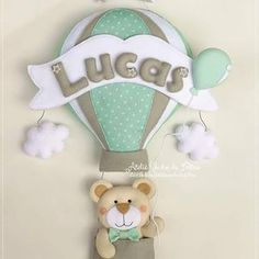 Ursinho no balão, a caminho de São Luís - MA, para a chegada do Lucas 💚 ☁ Ateliê Sonho de Feltro ☁ Baby Shawer, Felt Baby, Felt Decorations, Baby Shower Decorations, Baby Door Wreaths, Elephant Balloon, Nursery Accessories, Doll Sewing Patterns, Baby Shower Balloons