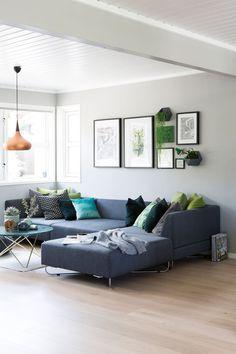 Seks stoler ble til ny førsteetasje - Byggmakker+ Decor, Living Room, Furniture, Room, Sectional Couch, Home Decor, Chaise Lounge, Chaise, Lounge