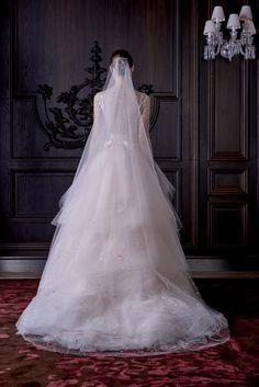 Monique Lhuillier Bridal Spring 2016 Accessories Photos - Vogue