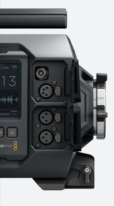 Details we like / Camera / Black / Buttons / Connections Screen