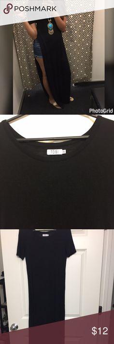 Long Tshirt On the side slit long tshirt in black. Worn only once! Tobi Tops Tees - Short Sleeve