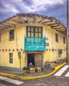 En la esquina... #Guachapala #Ecuador #AllYouNeedIsEcuador #iPhone #street by patrickgog