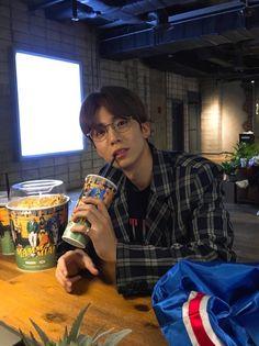 Neoz School, Rapper, Chani Sf9, Sf 9, Nuno, Korean Boy, Boyfriend Pictures, Fnc Entertainment, Kpop Boy