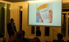 """""""Blogging"""" 3 x täglich zur """"inneren"""" Anwendung :) - """"Blogging"""" noch Rezeptfrei und ohne Praxisgebühr erhältlich .    Der Cluetrain hält in Hamburg....  David Weinberger """"Pope of Blogging"""" - 28.02.2006    Read Cluetrain Manifesto cluetrain.com cluetrain.de Tips on how to getSeo tips   tips onBlogging   traffic to squeeze-page more at SQOC.."""