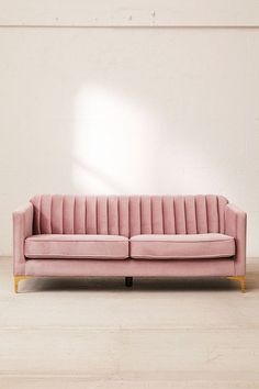 Looking for an idea to change the decoration of your living room? Give your couch or your chair a brand new protective cover! It will beautify your home at a lower cost. Furniture Logo, Cheap Furniture, Furniture Design, Rustic Furniture, Modern Furniture, Antique Furniture, Furniture Stores, Furniture Movers, Furniture Companies