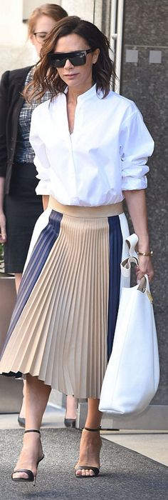 Latest Victoria Beckham Navy Pleated Skirt For Women Selling Well