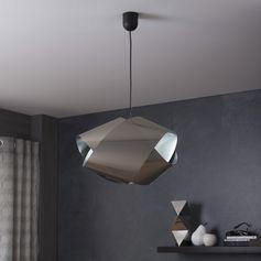 L'effet métal léger et flexible fait de votre luminaire un objet résolument architectural.