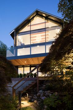 Canadian firm RUFproject, have recently completed the unique and modern renovation of an early 1900's character house in Point Grey, Vancouver. #Architecture #ModernHouse