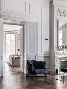 A Classic French Apartment Full Of Style And Historic Details