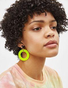 Neon earrings | Bershka  #newin #trend #trendy #cool #fashion #outfit #ideas #inspiration #look #woman #mujer #new #in #bershka #bershkacollection #moda #neon #fluor #tendencia #trend