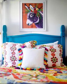 www.pegasebuzz.com | Interior decor : Spring Whitaker - donkeys.