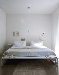 Le blanc crée une ambiance cosy et apporte de la grandeur à la maison. Mais attention, un blanc n'est pas l'autre. Explications.