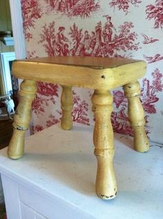 Foot Stool with Curved Legs  Painted with by cabinintheheartland, $37.00  possible color for stools or table