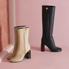 Time for boots! Contrasted, sculptural heels with a supple alter-nappa. Always cruelty-free.